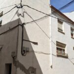 RASQUERA. SPACIOUS CORNER HOUSE WITH GARAGE - 56 000€  Ref: 096A/21
